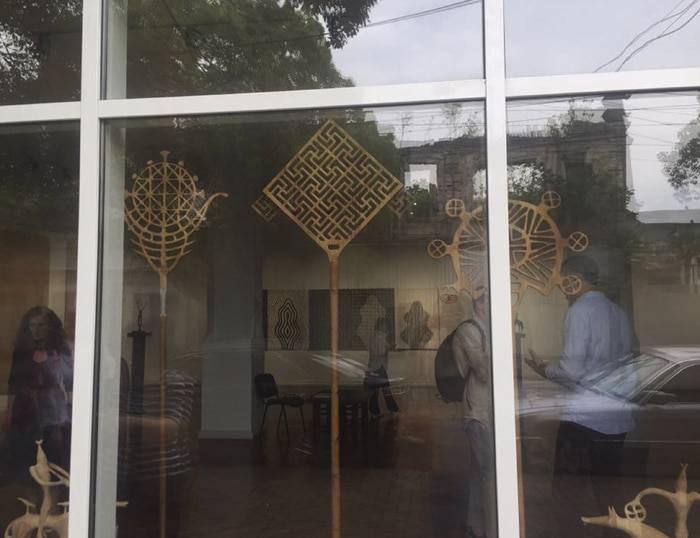 В Центральном выставочном зале Сухума более 50 работ декоративно-прикладного искусства.